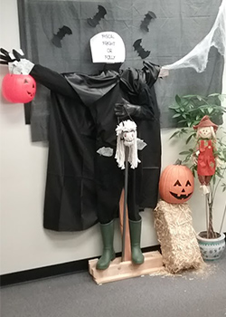 Fiscal Fright or Folly - Scarecrow contest