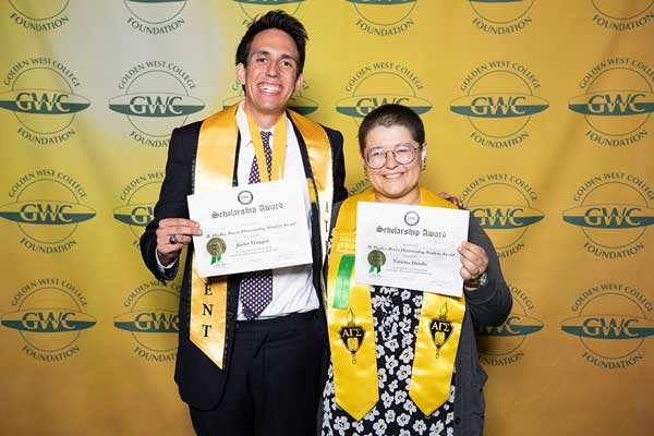 Scholarships-Awards 2018- Javier & Vanessa